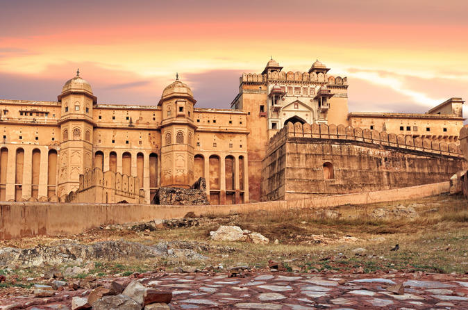 Private Jaipur City Day Trip with Jantar Mantar Observatory and Lunch from Delhi