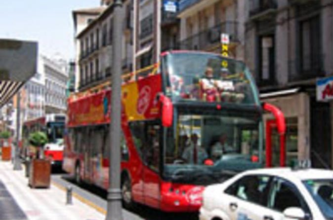 Granada-city-hop-on-hop-off-tour-in-granada-24908