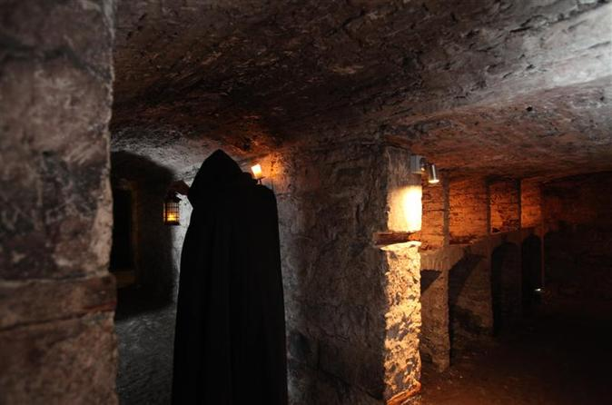 Edinburgh-night-walking-including-historic-underground-vaults-in-edinburgh-109703