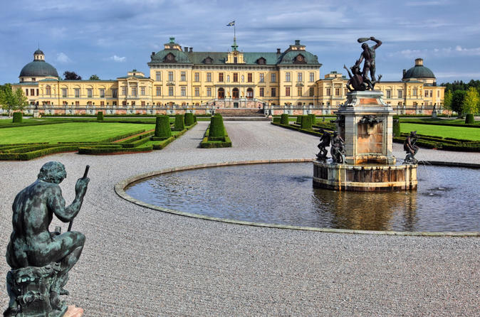 Stockholm-royal-sightseeing-tour-in-stockholm-143238