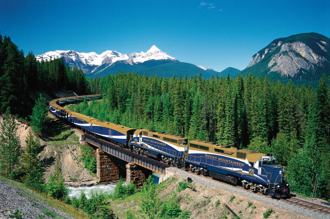 2-day-rocky-mountaineer-train-journey-from-banff-to-vancouver-in-vancouver-160181