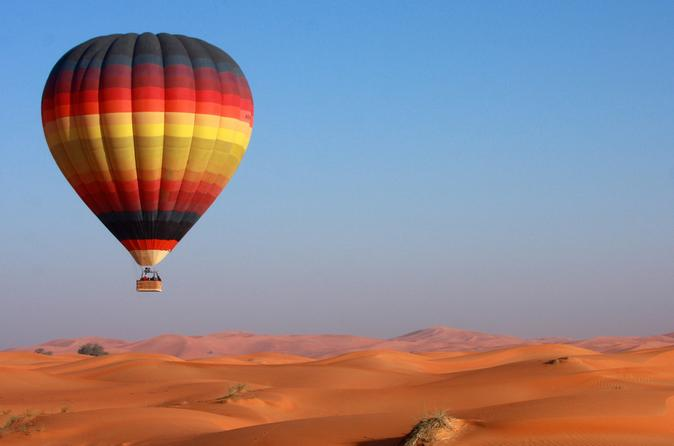 Dubai Hot Air Balloon Flight Including Gourmet Breakfast and Falconry Demonstration