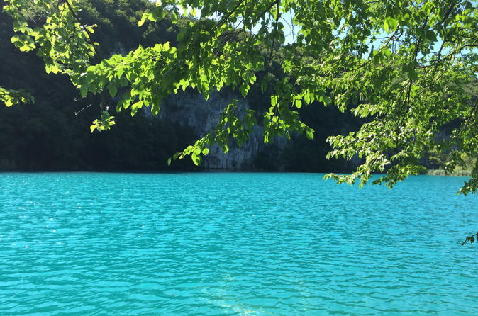 Plitvice lakes and Barac caves Day Tour