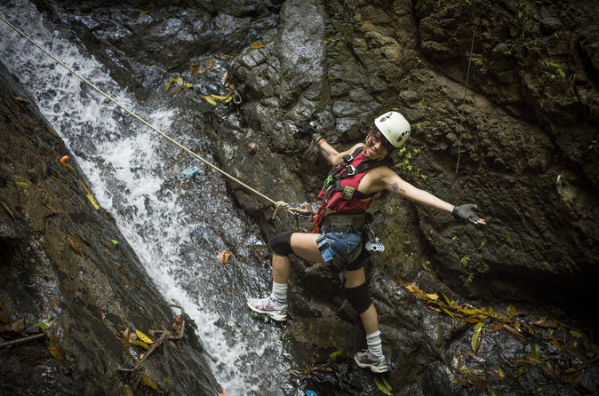 Small-Group Tour: Waterfall Rappelling, Zipline and Trek Adventure from Jaco