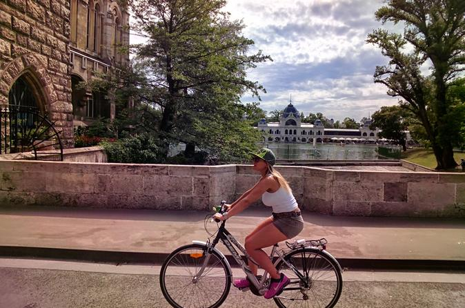 Bike Tour to the Highlights of Budapest