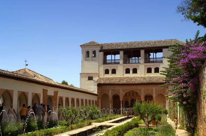 Malaga-shore-excursion-skip-the-line-alhambra-and-generalife-gardens-in-malaga-149214