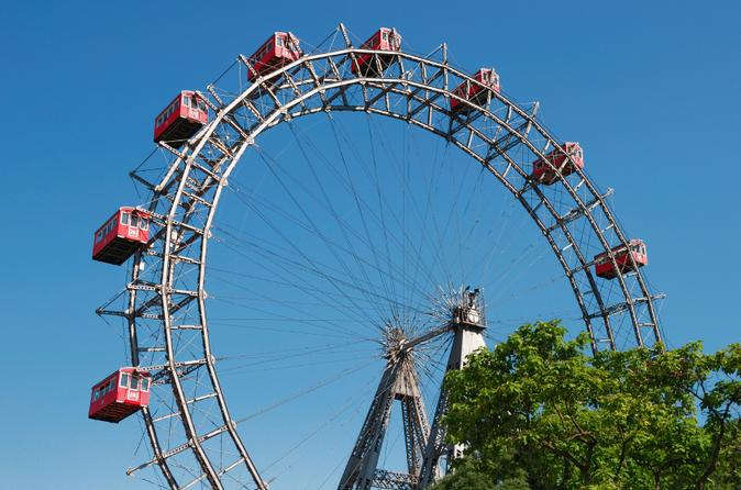 Vienna-s-schonbrunn-zoo-and-giant-ferris-wheel-in-vienna-118128
