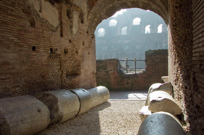 Ancient-rome-and-colosseum-tour-underground-chambers-arena-and-upper-in-rome-111591