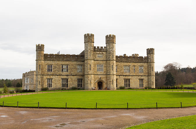 Leeds Castle, Canterbury Cathedral, Dover Tour from London