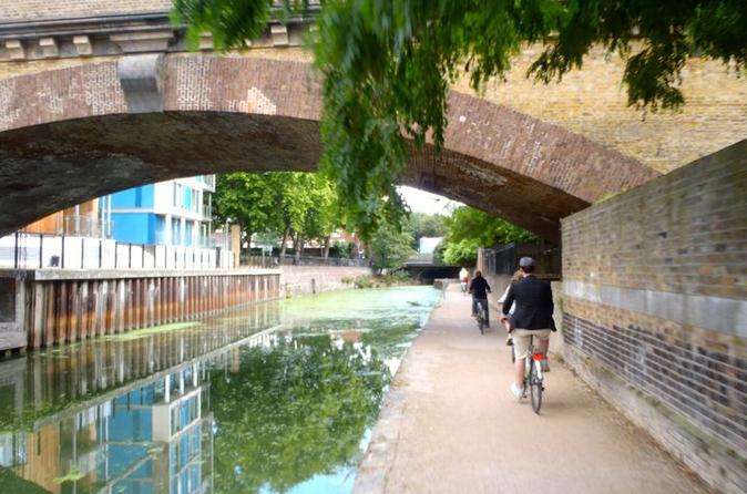 Ultimate-sunday-in-london-river-thames-bike-tour-camden-market-in-london-126688
