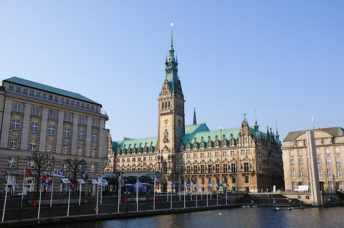 Essential-hamburg-combo-hop-on-hop-off-tour-cruise-and-lake-alster-in-hamburg-106595