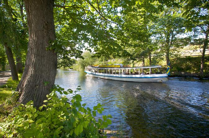 Stockholm-historical-canal-tour-in-stockholm-158331