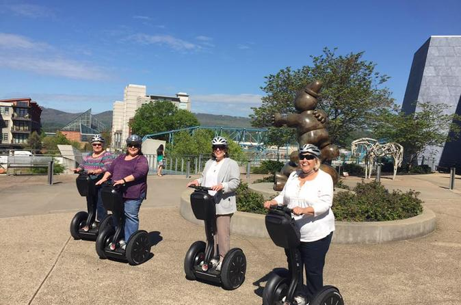 Chattanoogas North Shore and Coolidge Park Tour by Segway