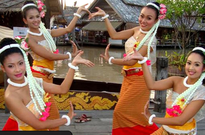 Amazing Pattaya Floating Market Tour Including Nong Nooch Tropical Garden and Underwater World