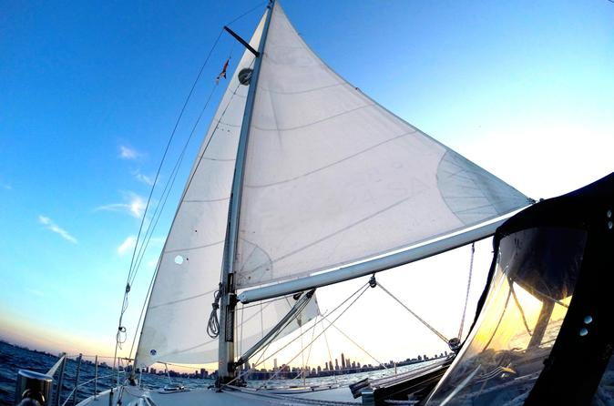 Private Day Sailing Excursion on Lake Michigan