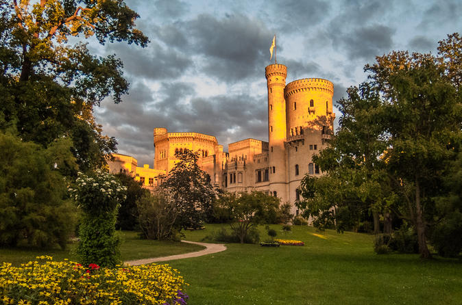 Private Walking Tour: Babelsberg Park overshadowed by World History