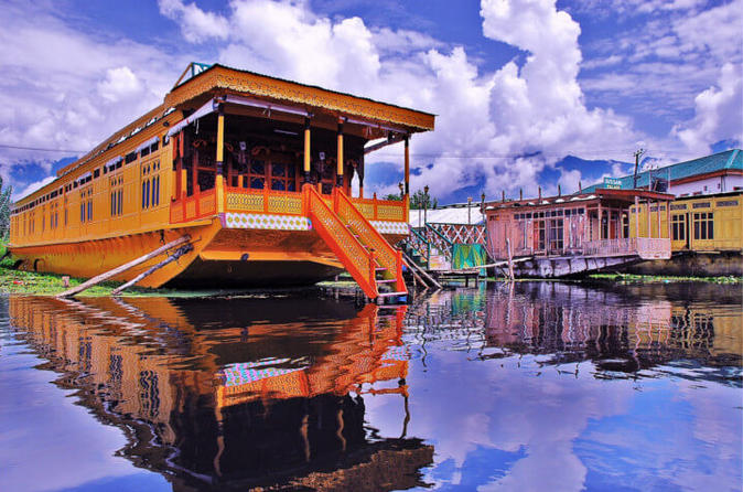 Private-06-Nights-tour-of-Paradise-of-Earth-Kashmir