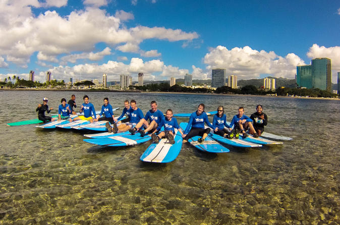 Oahu-surf-lessons-class-and-equipment-at-ala-moana-beach-with-round-in-oahu-163672