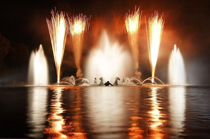 Versailles-night-fountain-show-and-fireworks-from-paris-in-paris-113321