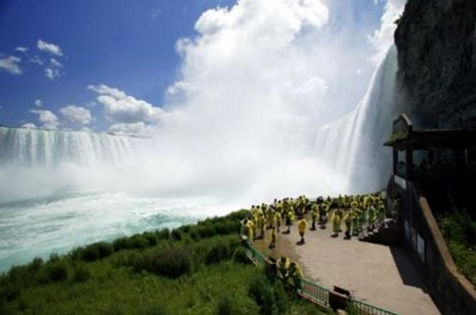 Niagara-falls-attractions-pass-in-niagara-falls-41235