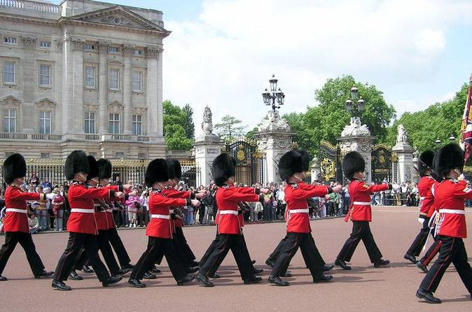Changing of the Guard Walking Tour tickets - London | From