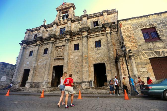 Santo Domingo: Morning Walking History Tour Including Beer