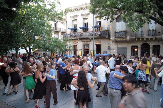 Walking-tour-of-buenos-aires-tango-hot-spots-in-buenos-aires-153669