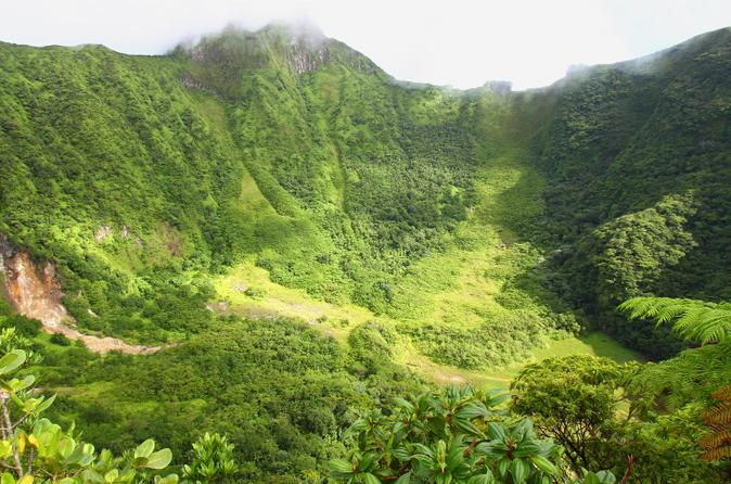 Volcano-crater-hiking-tour-in-st-kitts-in-basseterre-153072