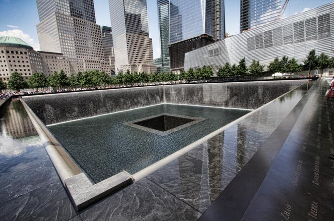 9/11 Memorial and Ground Zero Walking Tour with Optional 9/11 Museum Upgrade