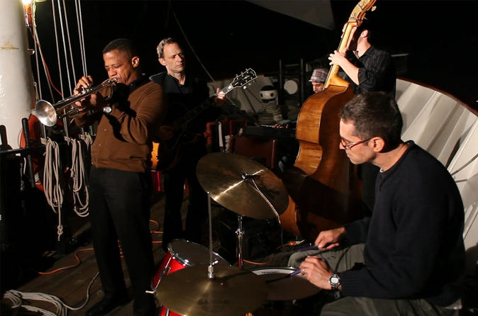 New-york-harbor-evening-sail-with-live-jazz-in-new-york-city-141497