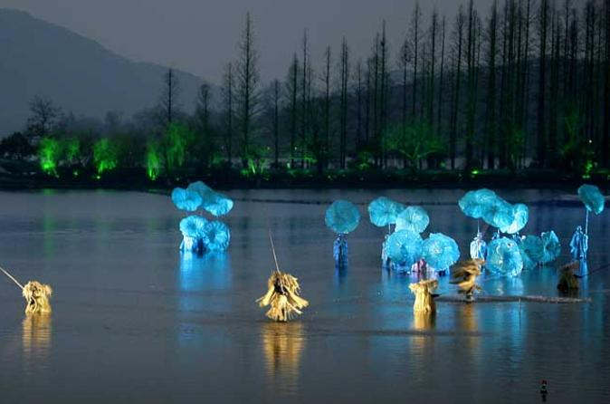 Hangzhou-night-tour-dinner-and-impression-west-lake-show-in-hangzhou-110175