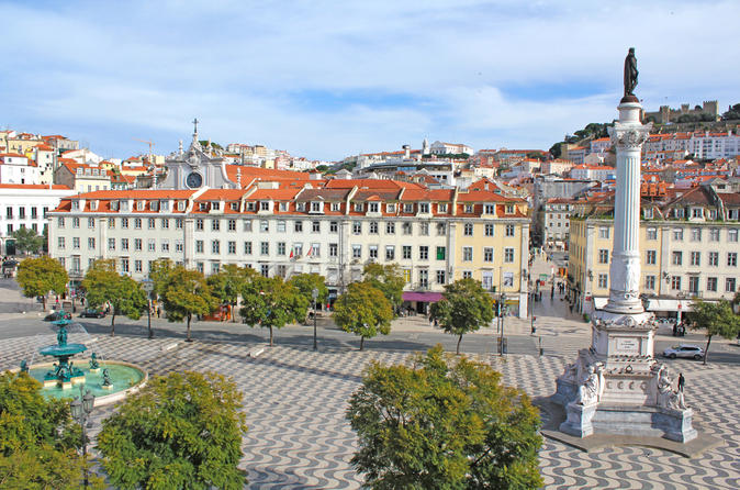 Lisbon-guided-walking-tour-in-lisbon-149375