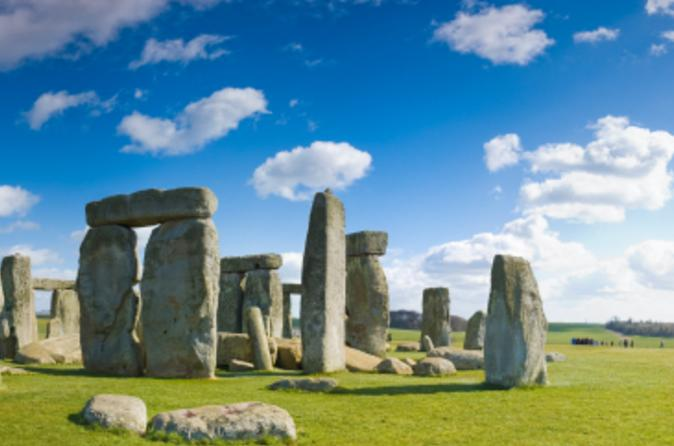 Small-group-day-trip-to-stonehenge-glastonbury-and-avebury-from-london-in-london-109227
