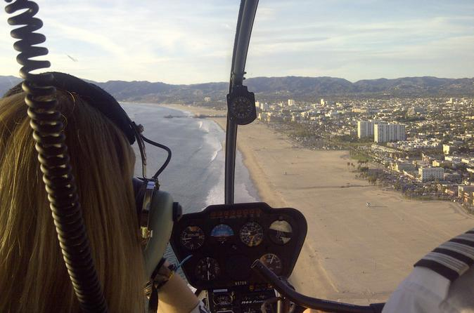 Helicopter-tour-over-california-s-coastline-with-private-landing-from-in-los-angeles-110361