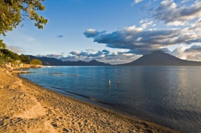 Lake Atitlán Boat Tour with Transport from Guatemala City