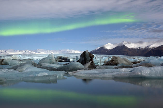 2-day-northern-lights-adventure-tour-including-glacier-walking-hiking-in-reykjavik-118289