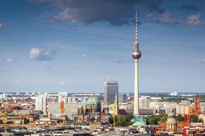 Skip-the-line-lunch-atop-the-berlin-tv-tower-in-berlin-141477