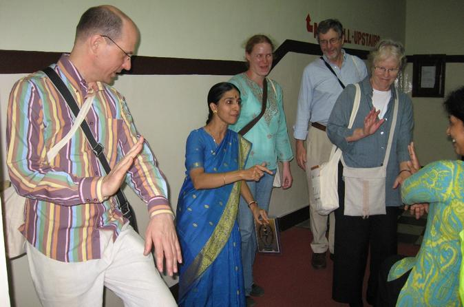 Experience-chennai-small-group-bharatanatyam-and-bollywood-dance-class-in-chennai-119949