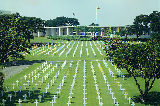 Makati-sightseeing-tour-including-ayala-center-and-american-cemetery-in-manila-120588