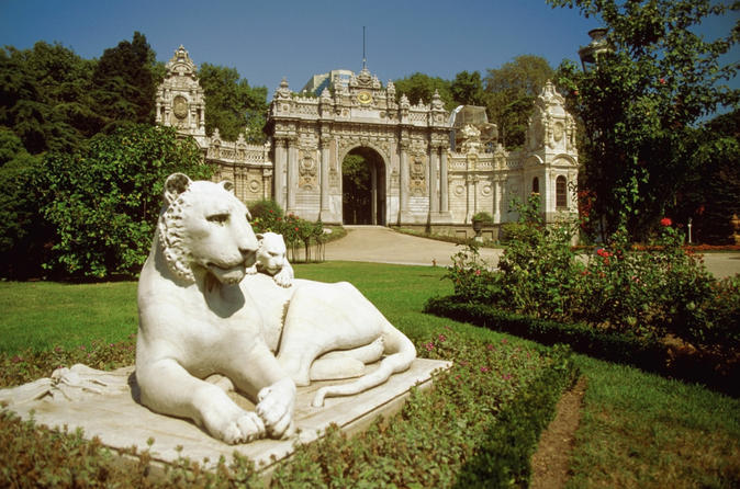 Bosphorus-bridge-camlica-hill-and-dolmabahce-palace-tour-in-istanbul-in-istanbul-154248