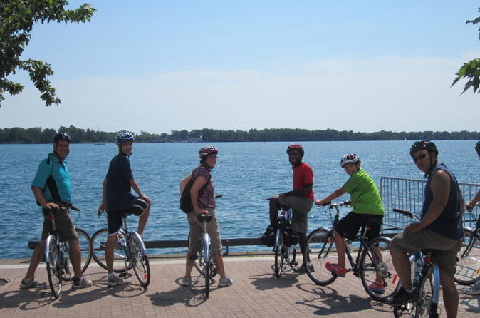 Downtown-toronto-bike-tour-in-toronto-126072