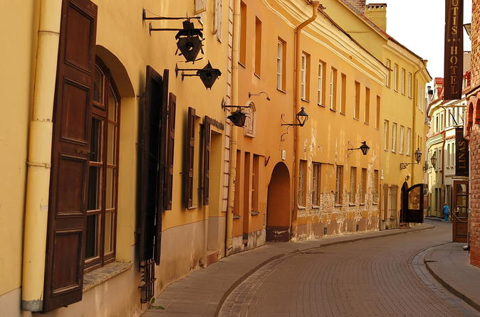 Vilnius-walking-tour-old-town-uzupis-and-lithuanian-brewery-in-vilnius-154843