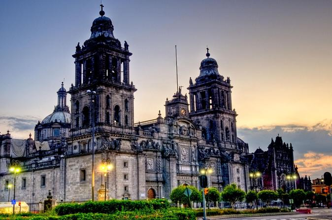 Mexico City by Night Sightseeing Tour