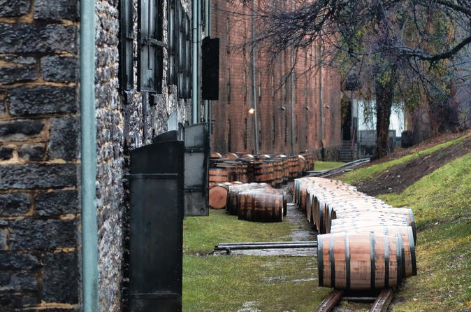Kentucky Bourbon Tour to Woodford Reserve and Buffalo Trace
