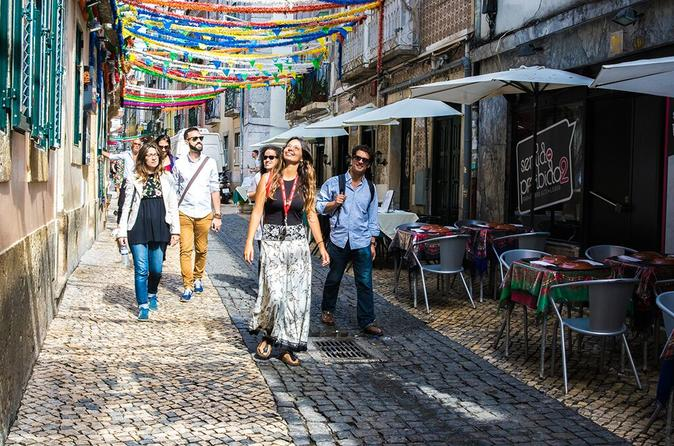 Lisbon Small-Group Walking Tour with Food and Wine Tastings
