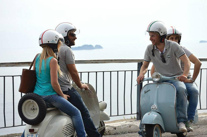 Private-tour-naples-sightseeing-by-vespa-in-naples-147093
