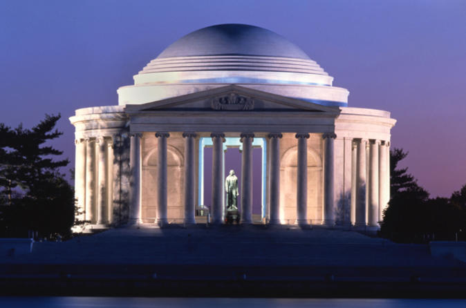 Washington DC 'Monuments and Memorials' Guided Night Tour
