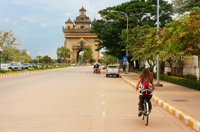 Vientiane-by-bike-mekong-river-patuxai-and-pha-that-luang-in-vientiane-154357