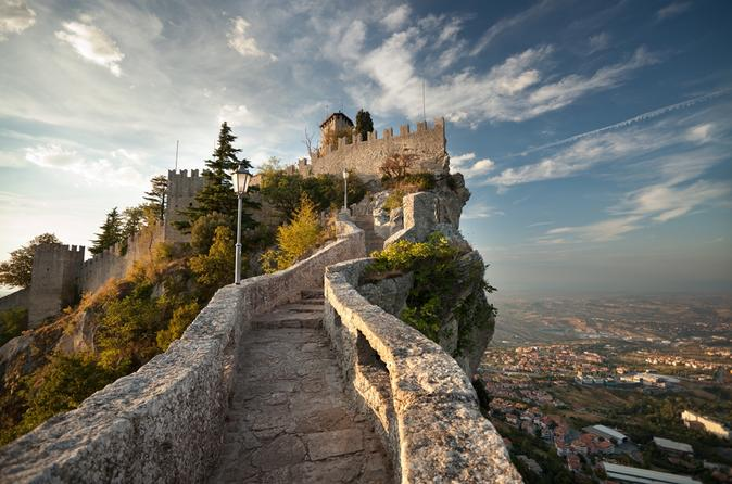 San-marino-republic-and-bologna-day-trip-from-florence-in-florence-156511