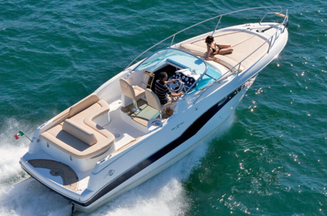 Private Transfer: Naples Port to Sorrento or Amalfi by Speedboat